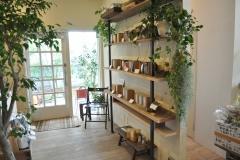 コーヒーショップの商品棚