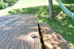 古材利用のピクニックテーブル