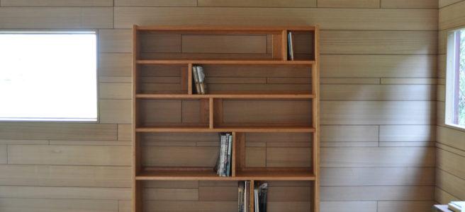 チェリー材の本棚